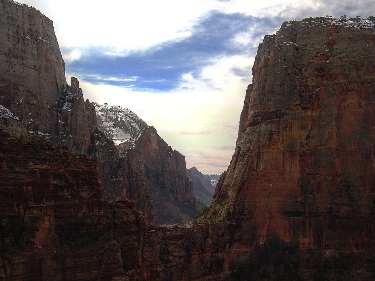 Angel's Landing behind me